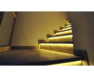 Steuerung für automatisierte LED Treppenbeleuchtungen